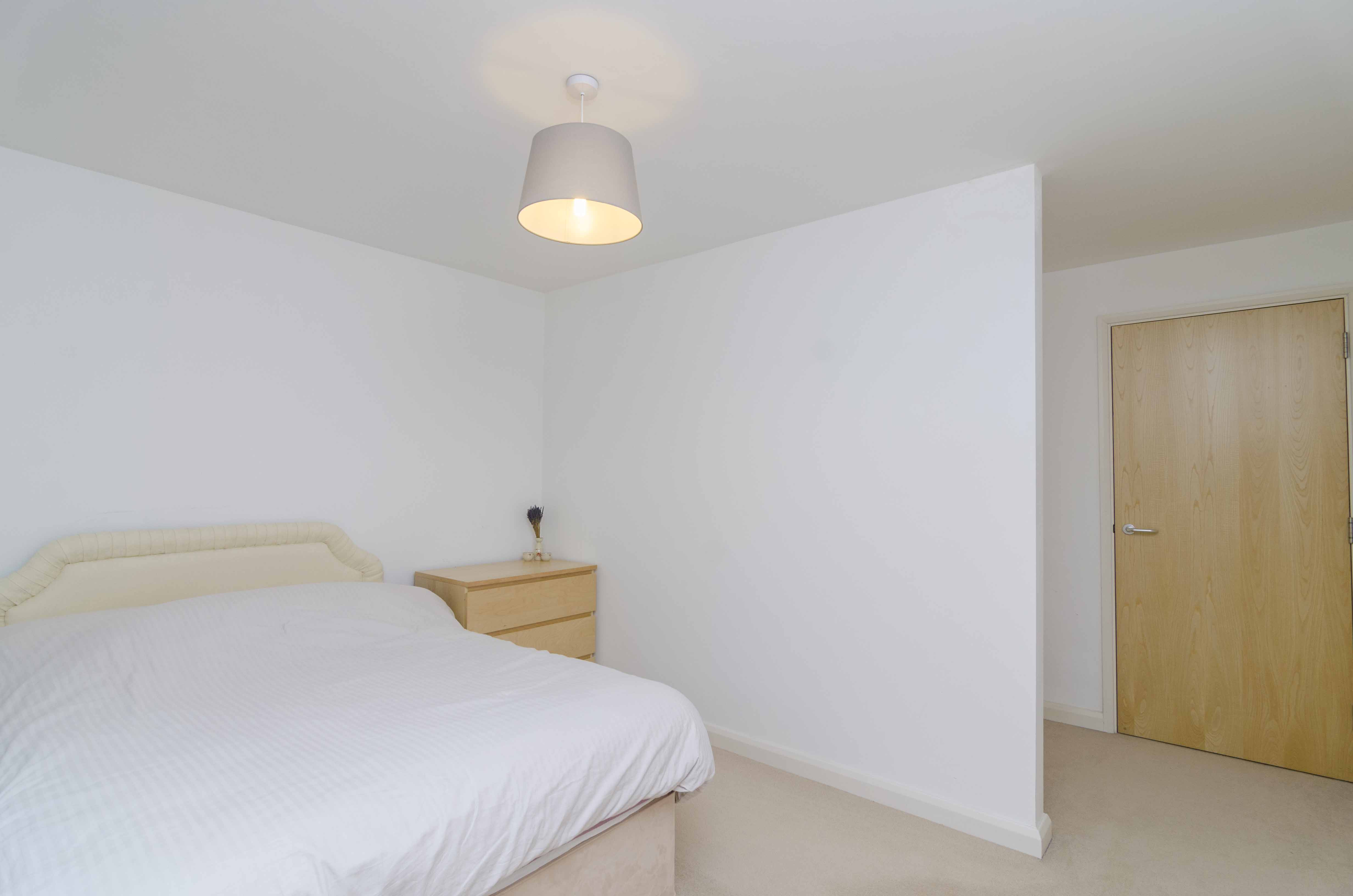 Apartment for sale in Mackintosh Lane, London, E9 from Emoov