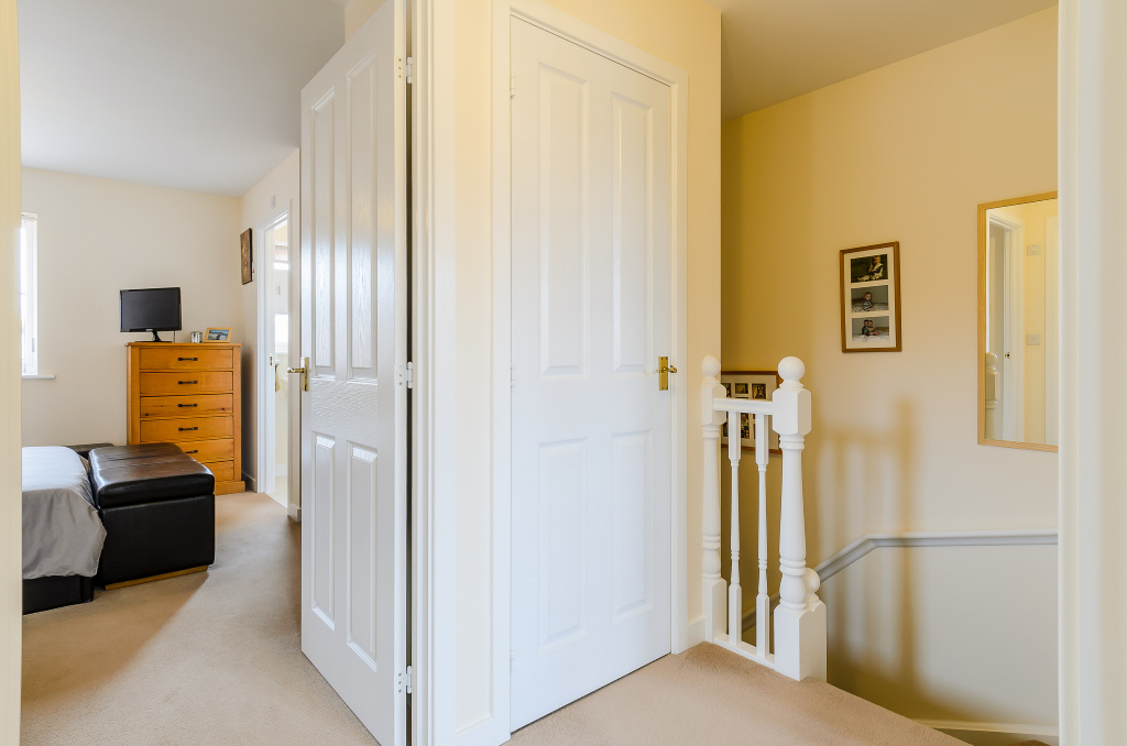 semi detached house for sale in manston close melksham sn12 from emoov