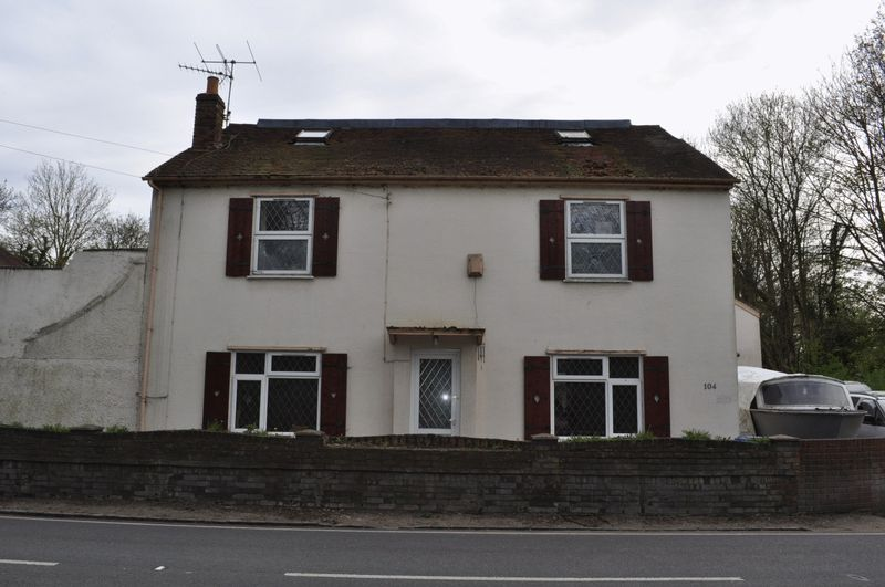Staines Road, Staines-Upon-Thames, Wraysbury, Berkshire