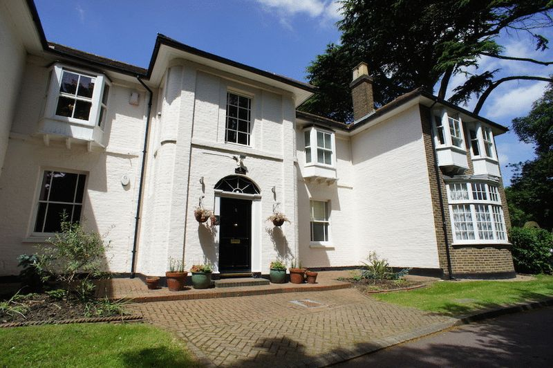 Oak Lodge Drive, West Wickham