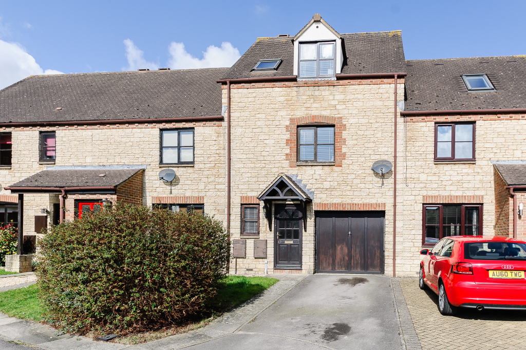 Broadway Close,  Witney, Oxfordshire