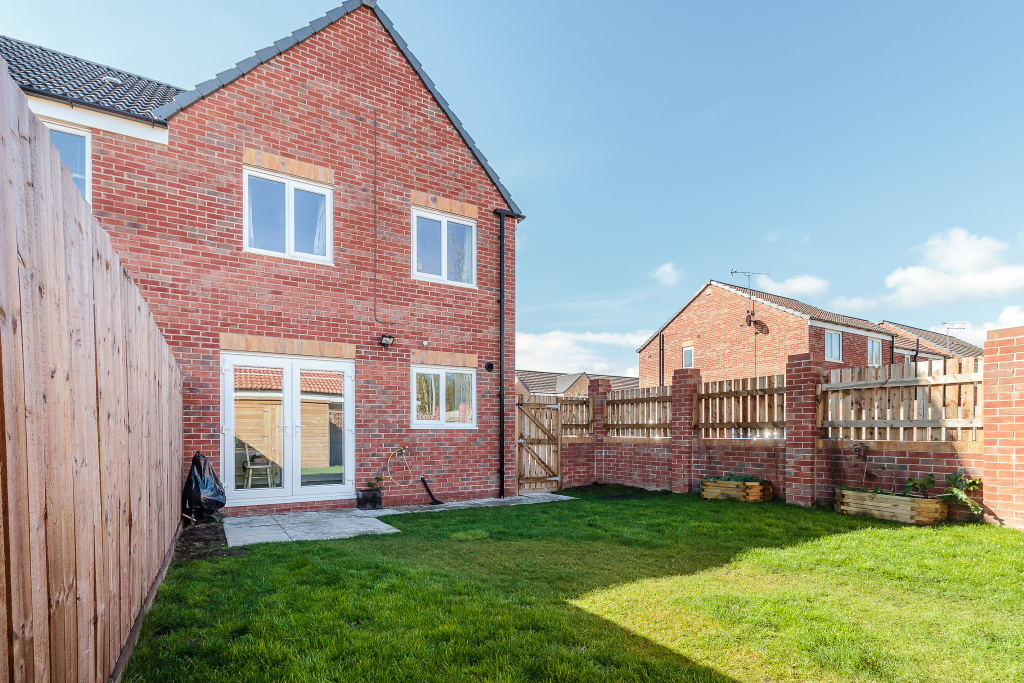 Bluebell Mews, South Kirkby, Pontefract, WF9