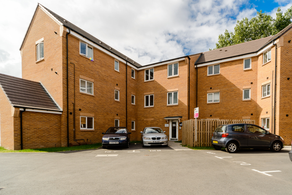 Chimes Court, Rugby, CV21
