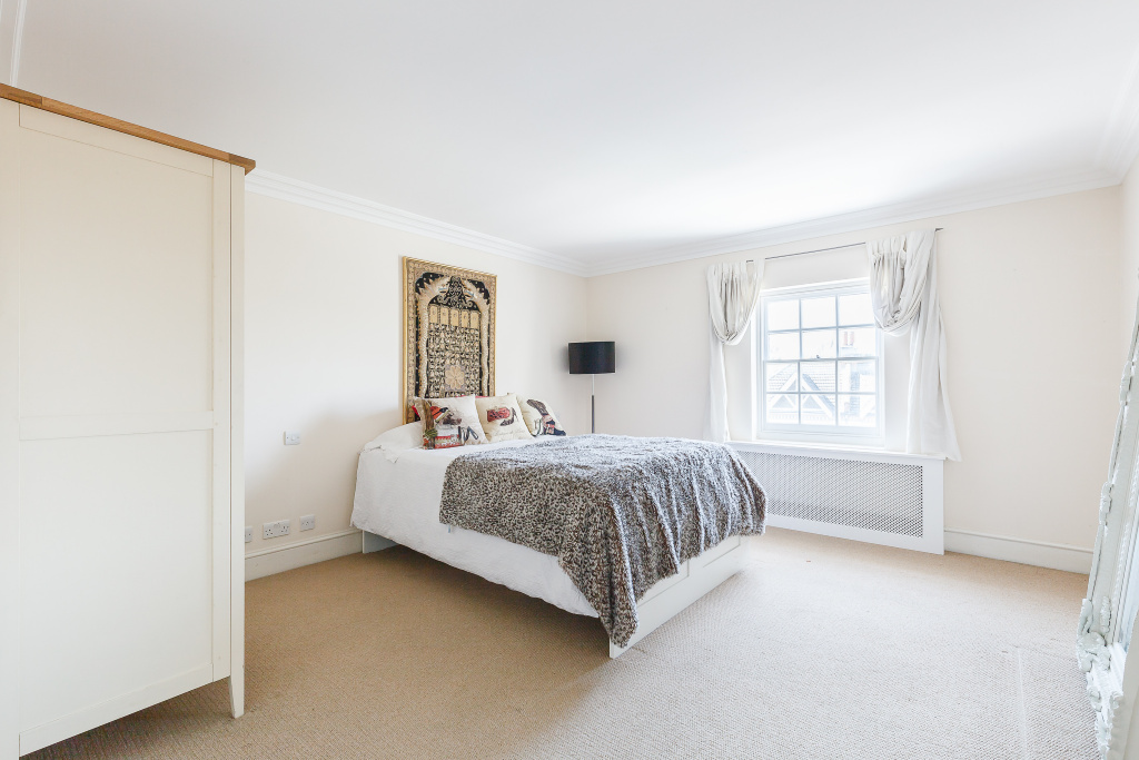 21 Old Town,  London, SW4