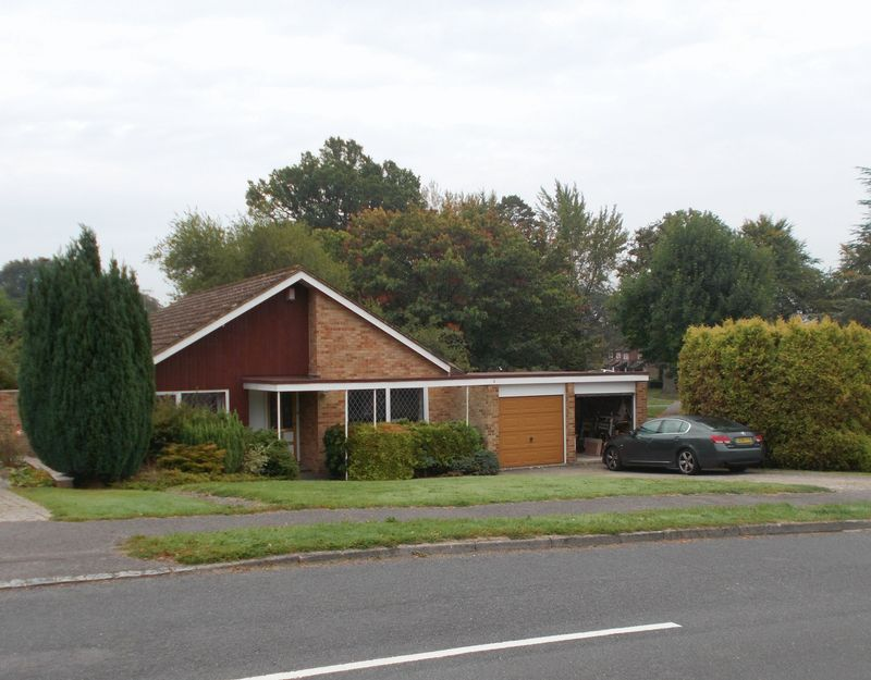 Knowle Drive, Copthorne