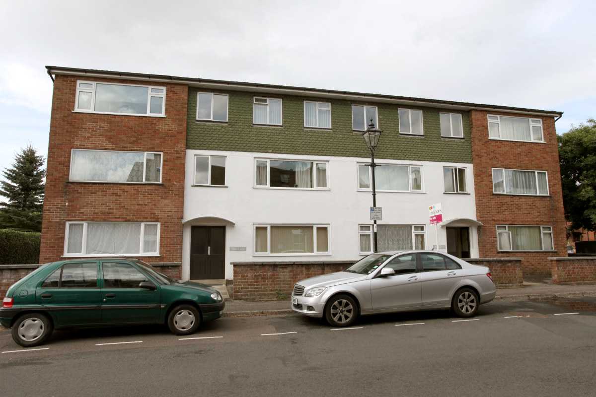 Flat 2/Cherville Court, Mill Lane, Romsey, SO51 8EX