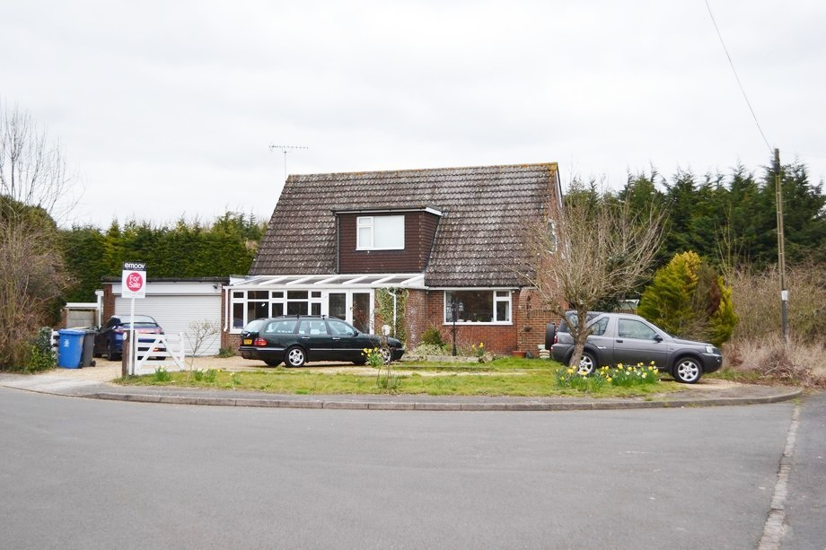 Brookside Avenue, Wraysbury  Staines-upon-thames, TW19